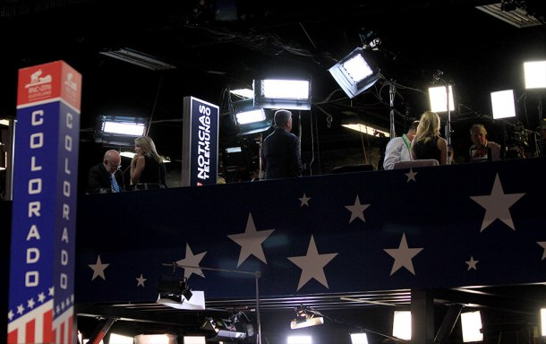 convention_side_set_up_6073_1000